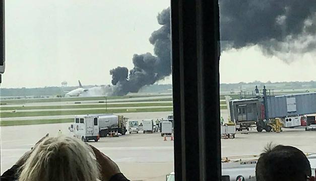 Se incendia avión en aeropuerto de Chicago