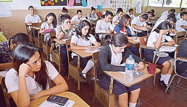 estudiantes-alumnos-escuela-educacion