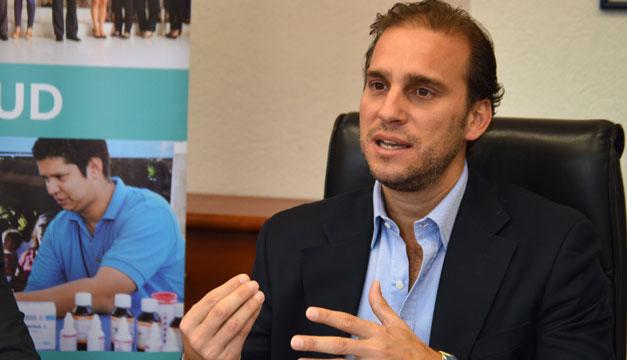 """Alejandro Poma: """"Deben darse condiciones de estabilidad política y respeto al Estado de Derecho"""" para responder a desafíos de pandemia"""
