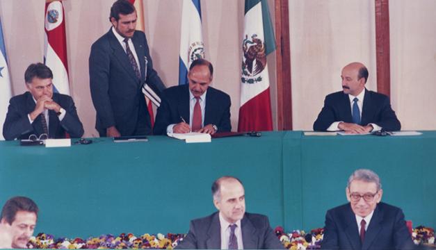 firma-acuerdos-de-paz