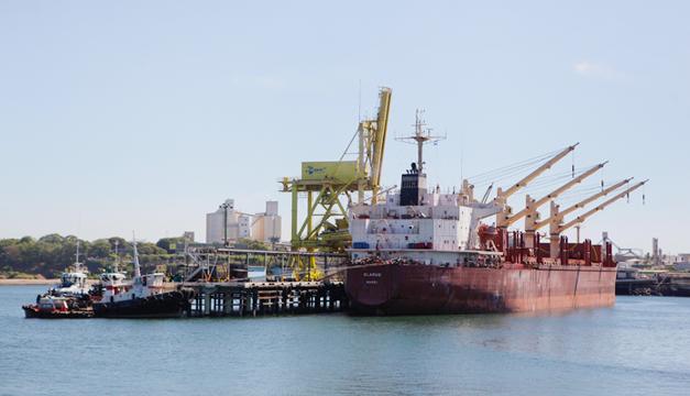 exportaciones-barco-puerto