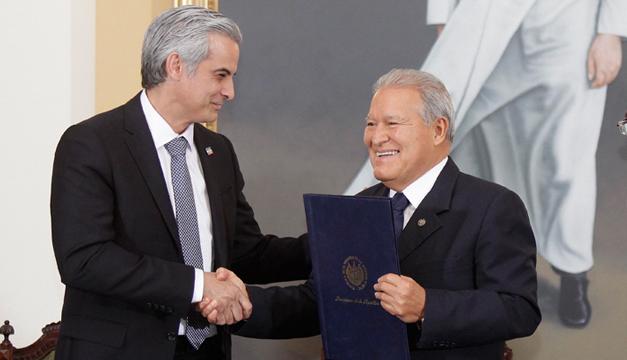 ARENA y el FMLN Llegan a un Acuerdo de Austeridad y Recaudación Tributaria.