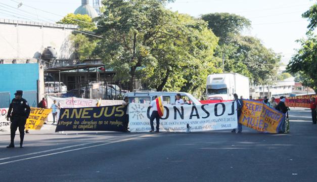 protesta-isidro-menendez