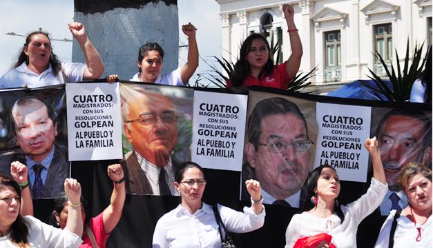 protesta-contra-magistrados-sala-de-lo-constitucional