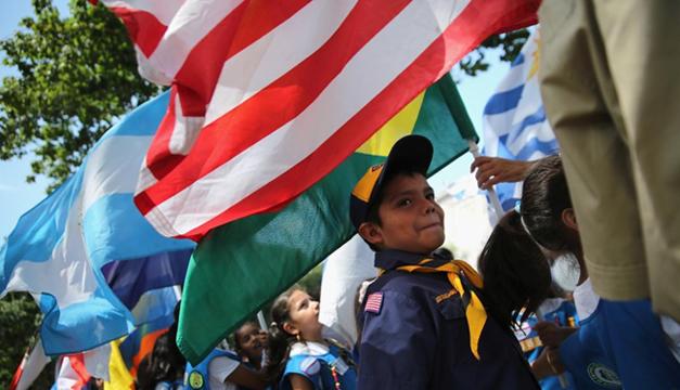 Estos son los apellidos latinos que más crecen en EUA