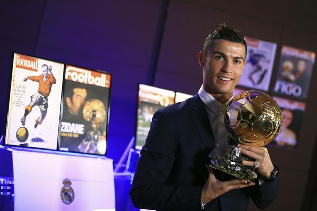 Cristiano Ronaldo gana su cuarto Balón de Oro / EFE