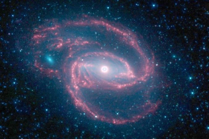Equipo de astrónomos cree haber fotografiado un agujero negro por primera vez