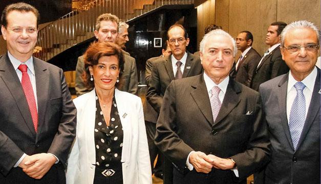 Renunció la presidenta del banco de fomento BNDES — Crisis en Brasil