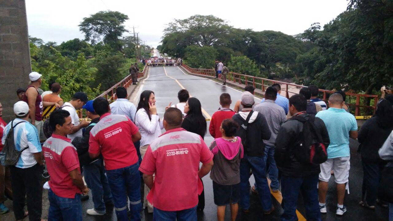 El Salvador declara alerta en todo el país por intensas lluvias