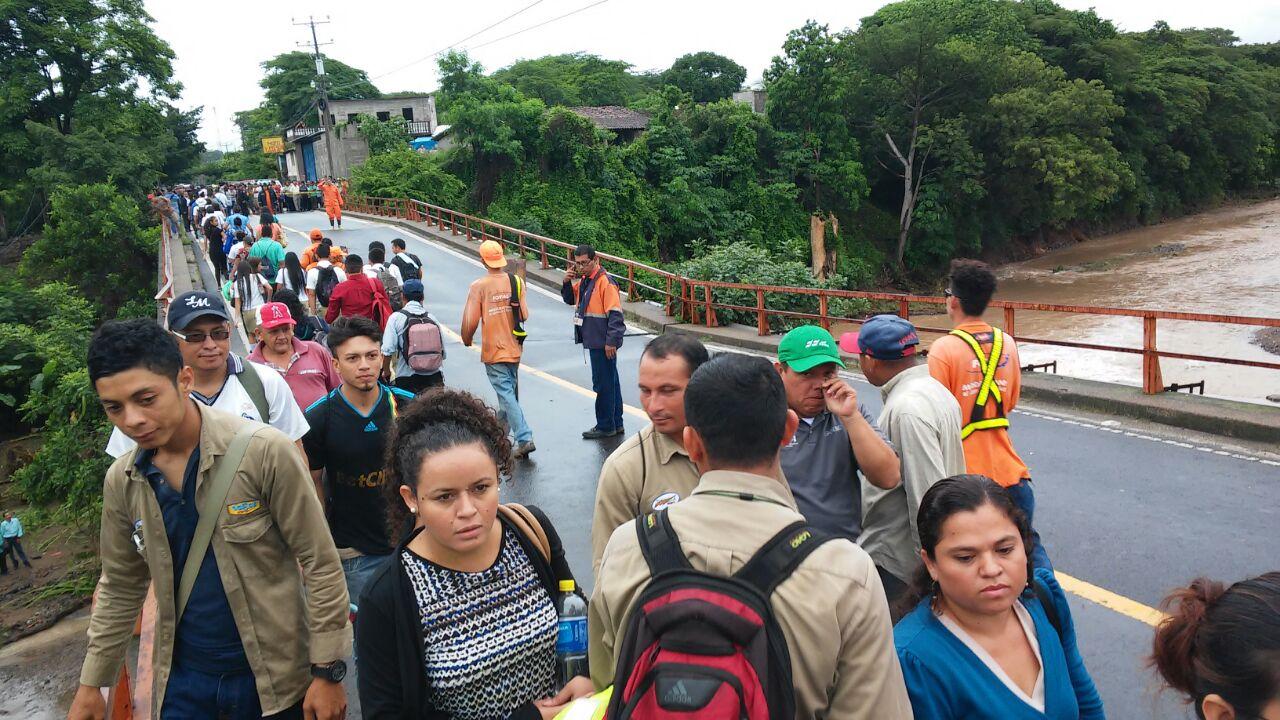 Emergencia en El Salvador por lluvias que ya dejan tres muertos