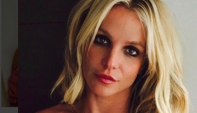 Britney Spears impacta haciendo ejercicios en sexy video — Instagram