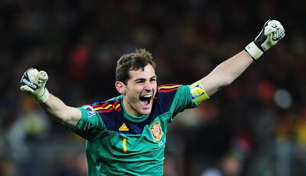 Cascada de reacciones tras la retirada de Iker Casillas