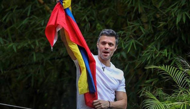 Leopoldo López es devuelto a su casa bajo arresto domiciliario