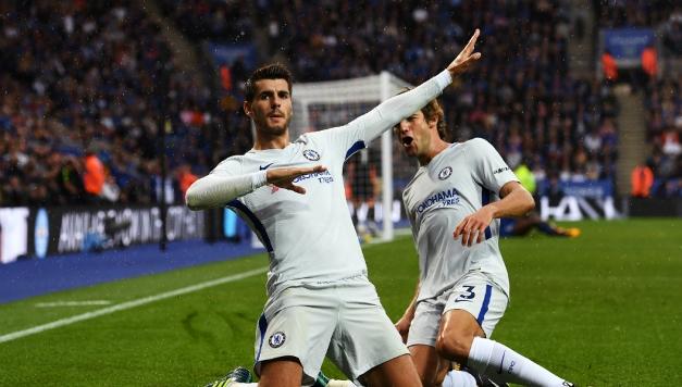 Aficionados del Chelsea FC alientan a jugador con cántico racista