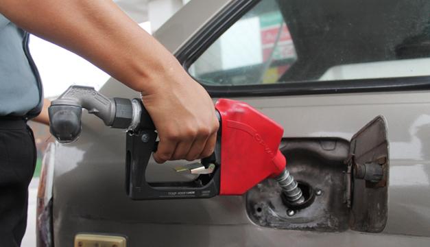 Gasolinas serán más baratas en los próximos 15 días