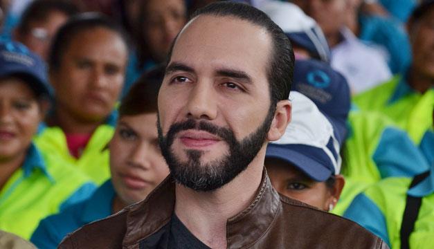 Partido gobernante expulsa a alcalde de capital salvadoreña