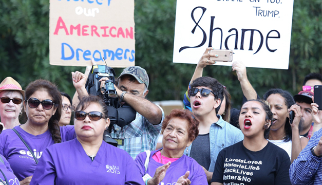 Demócratas piden a Gobierno EUA que acepte renovaciones de DACA atrasadas
