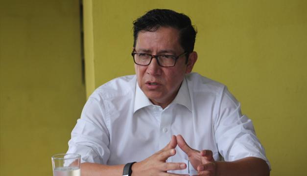 Gerson Martínez renuncia al MOP; Presidente acepta su dimisión