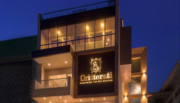 Los perros tienen su hotel de lujo en india diario el mundo for Fachadas de hoteles de lujo