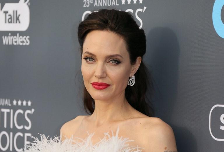 Angelina Jolie o Jennifer Aniston — Quién besa mejor