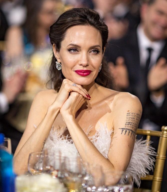 ¿Quién besa mejor: Angelina Jolie o Jennifer Aniston?