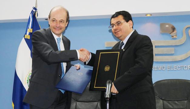 Unión Europea y el TSE firman convenio para brindar transparencia a elecciones