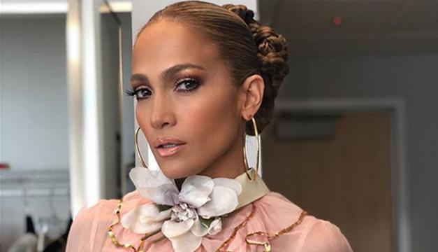 Trasero de Jennifer Lopez causa polémica
