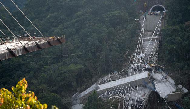 Nueve personas mueren en derrumbe de puente en Colombia