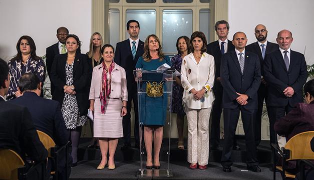 Ministro Muñoz descartó quitar la invitación a Maduro para el cambio de mando