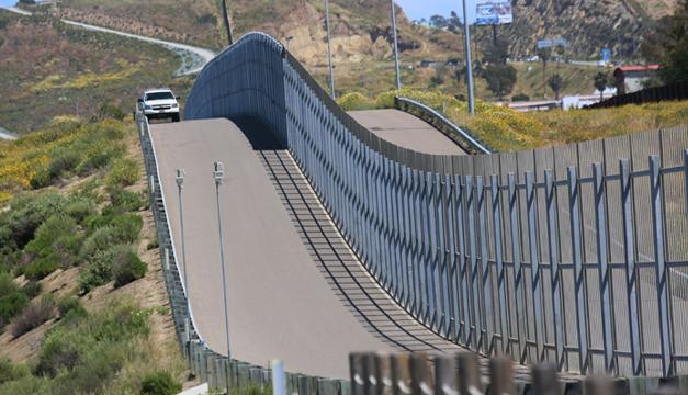 Posponen reunión Peña-Trump por desacuerdo en muro
