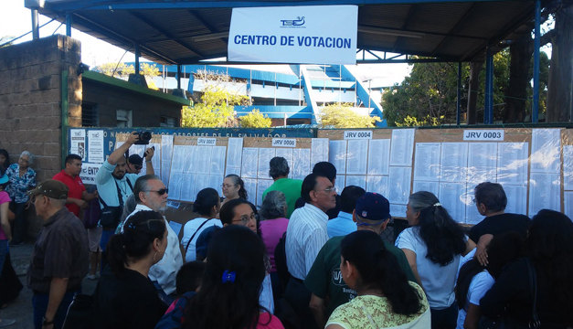 Cierran los centros de votación y comienza el recuento — El Salvador