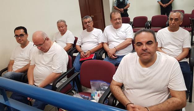 Expresidente salvadoreño Elías Antonio Saca es llevado a tribunal para conocer fallo