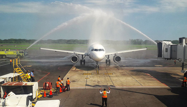Volaris inaugura vuelo El Salvador-Washington