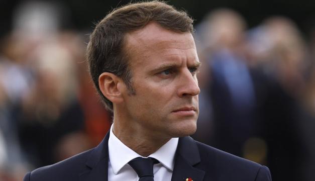 Así regaña Macron a un adolescente: