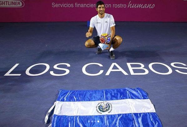 Reyes-Varela levanta la mano por el tenis mexicano