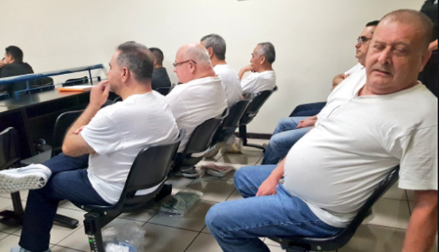 Expresidente salvadoreño Saca confiesa desvío de más 300 millones de dólares