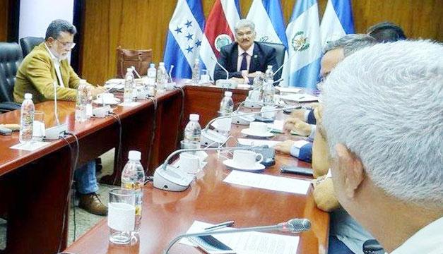 FMLN-GANA-PCN crean bloque en elección CSJ