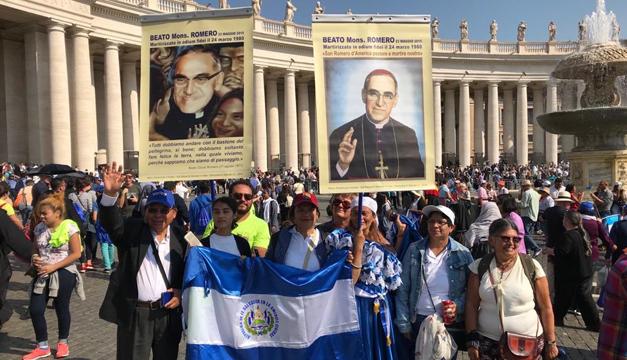 Así vivieron los salvadoreños en Roma la canonización de San Óscar Romero