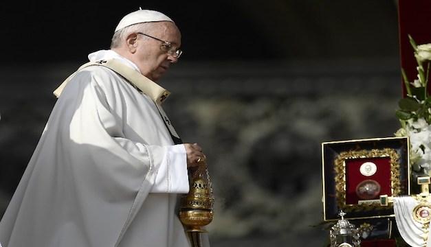 Papa Francisco elogia la entrega de Romero, durante su canonización