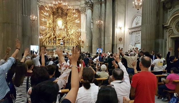 Así se viven las horas previas para que El Salvador tenga a su primer santo