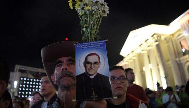 """Romero, el mártir salvadoreño recordado como """"la voz de los sin voz"""""""