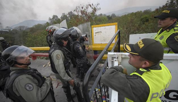 Resultado de imagen para Suben a 326 los desertores de fuerza armada venezolana en Colombia
