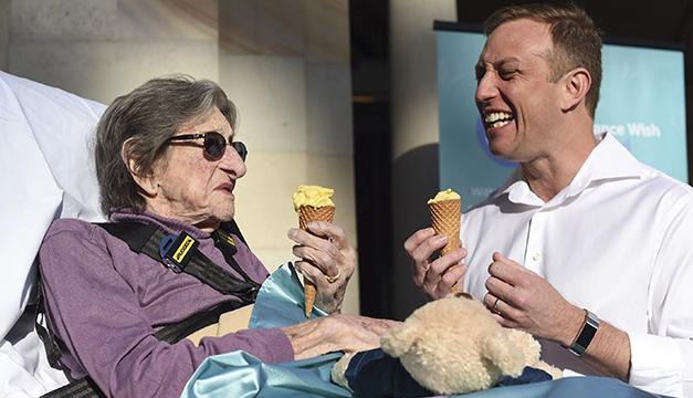 Australia dedica una ambulancia a satisfacer los últimos deseos de los pacientes