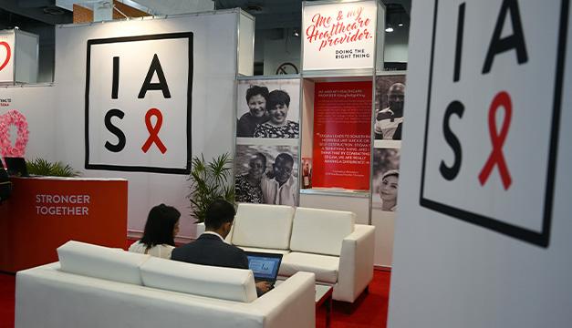 Hallan una segunda mutación genética resistente al virus del sida