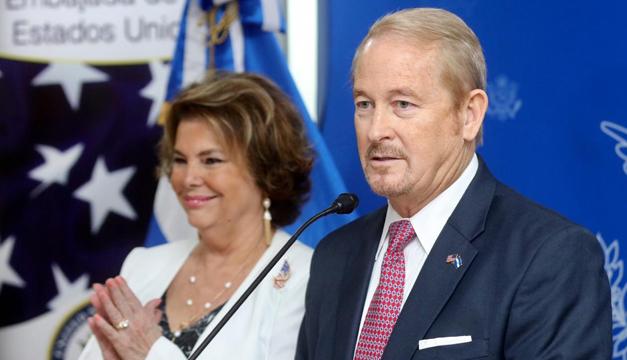"""Embajador de EEUU considera que en El Salvador existe """"la oportunidad para cambios positivos"""""""