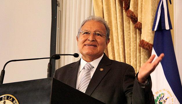 Giran orden de captura internacional contra expresidente Sánchez Cerén y cuatro exfuncionarios