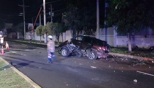Esta madrugada un motociclista falleció tras impactar contra un vehículo en el bulevar del Ejército