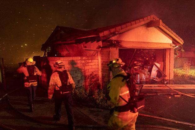 California se encuentra en alerta máxima por importantes incendios