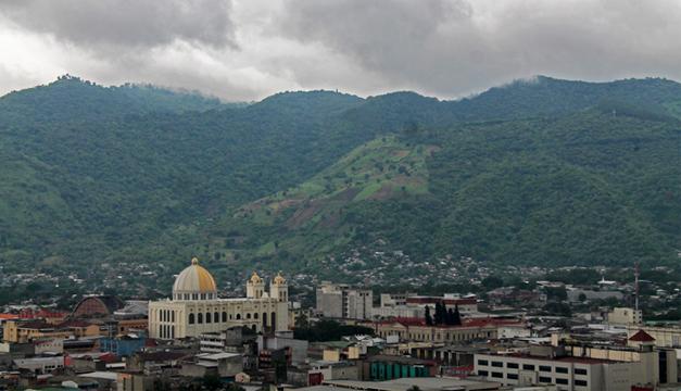 Será un sábado lluvioso con chubascos fuertes en zona costera y volcánica