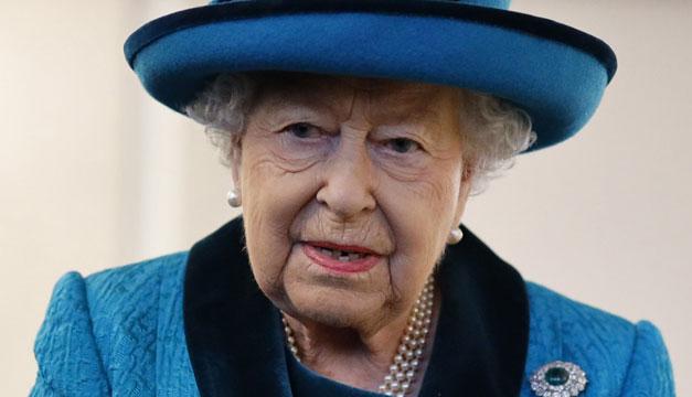 Joven de espíritu, Isabel II rechaza un premio para personas ancianas